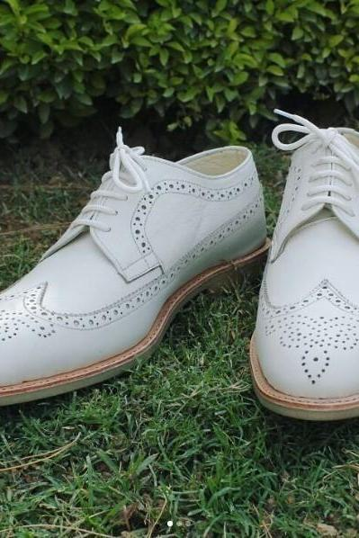 Handmade men white leather shoes, men wingtip brogue shoe, crepe sole shoes men